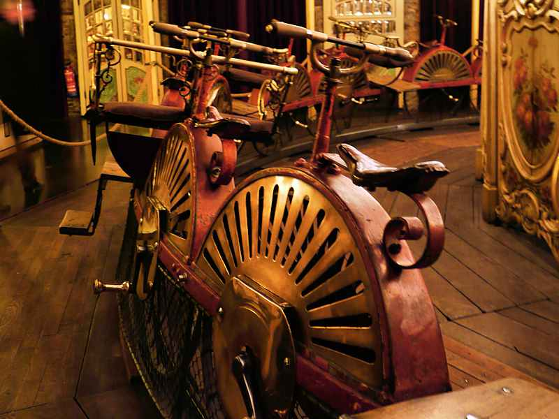 Manege A Velos Musee Arts Forains